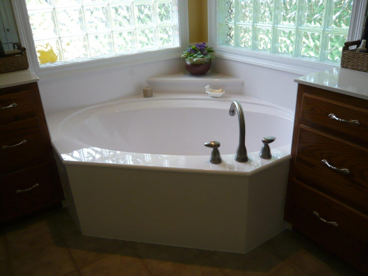 Cultured Marble Garden Bathtub